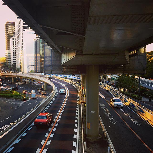 :・・overpass is ...Where are you going?・・#高架好き #東京散歩 #カメラ散歩 #tokyophotographer #tokyophotography #japanphotography #myview #tokyolandmark #tokyo #japan #walking #nice #happy #fun #東京