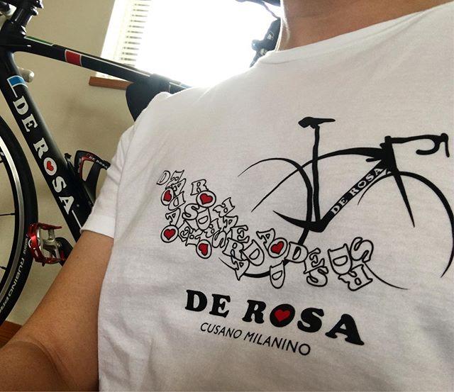 :・・hot day ?・・今日は暑くなるそうです。お気に入りのデローザ白Tシャツの出番・#暑い日 #散歩へ行こう #そっと散歩 #ロードバイク #くるくるまわす系 #ポタリング #デローザのある風景 #自転車のある風景 #自転車好きな人と繋がりたい #derosa #derosaavant #derosabikes #tokyophotographer #tokyophotography #japanphotography #myview #japan #nice #happy #fun #